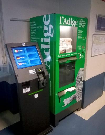 Distributore automatico giornali