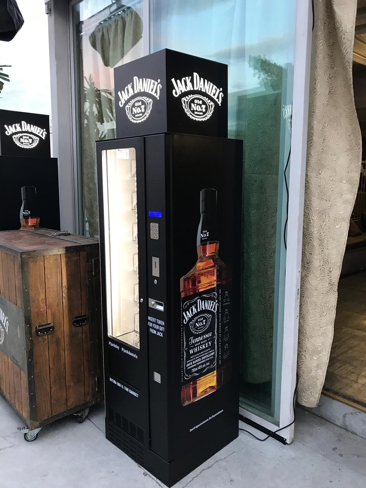 Rock style vending Jack Daniel's