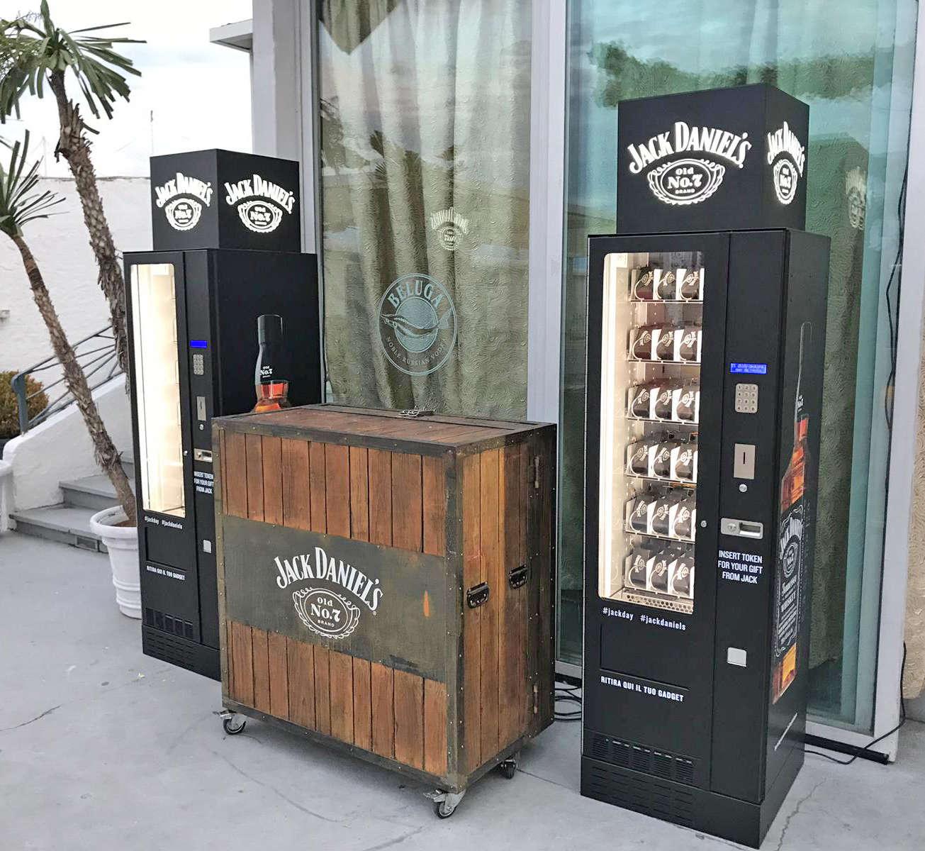Adimac AD4 master_gadget vending machine